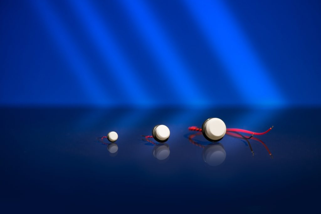 Image 1:Piezo ceramic ultrasonic transducers for applications in air and other gases (Image: SECO, Photographer: Christian Hesselbach, Background KG)